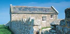 Ty Pobty Landmark Old Light Cottage